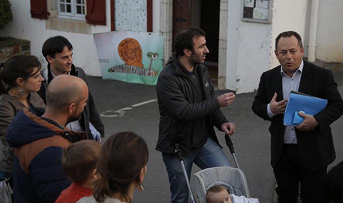 """Langue Basque: Ahetze Nola Erran """"du Rififi"""" Euskaraz"""