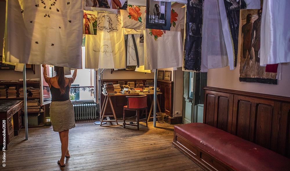 Art, culture et exposition : Anelor Prats et ses ami(e)s artistes prolongent jusqu'au dimanche 6 septembre sur rendez-vous rue Broquedis, chalet Pilar, à Biarritz.