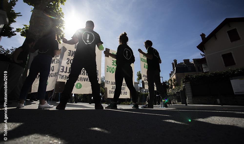 Écologie : Biarritz Pays Basque, l'association altermondialiste BIZI à dénonce l'utilisation de l'argent du grenelle de l'environnement par la ville de Biarritz à mauvais escient.