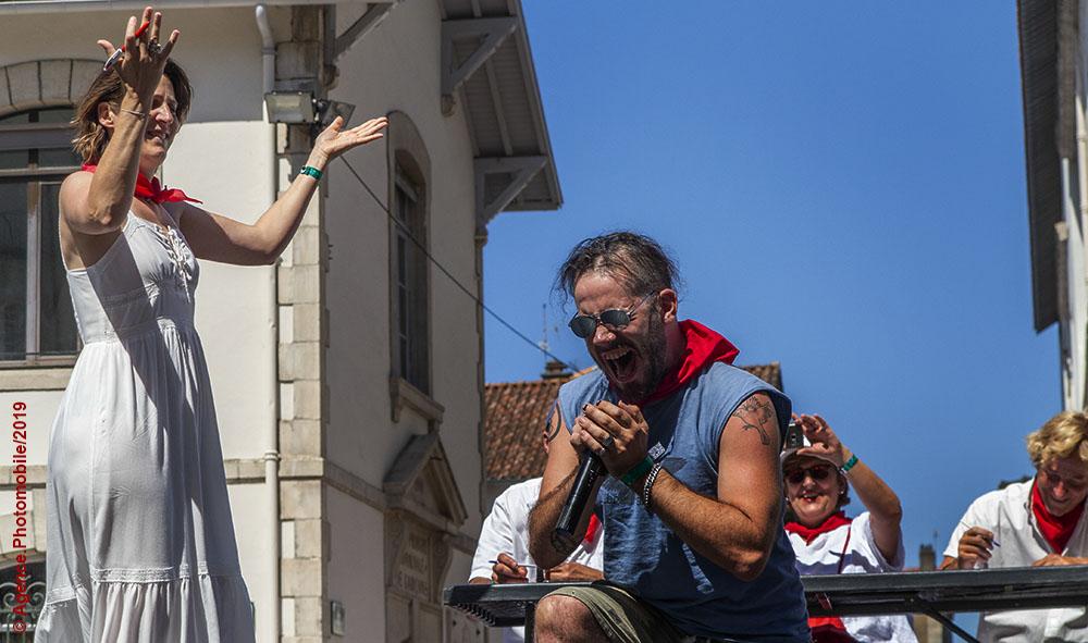 Culture : L'Irrintzina mis en avant avec la bénédiction de Chantal Lacouara quadruple championne du monde lors de cette édition des fêtes de Bayonne.
