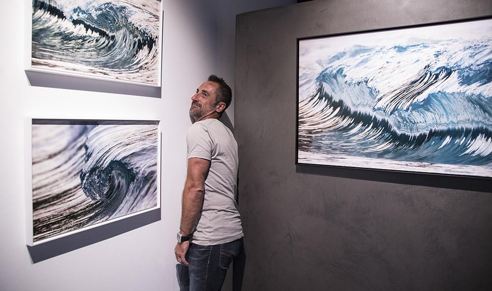 Culture / Photographie : Plongée en eau vive avec Pierre Carreau à la Galerie L'Angle à Hendaye (Pays Basque)