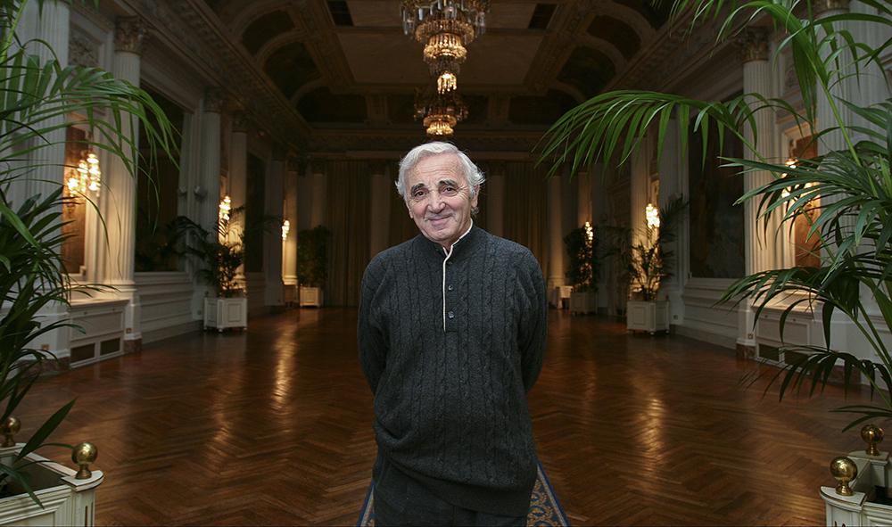Culture : Un monument de moins pour la chanson française avec la mort de Charles Aznavour ce lundi 1er octobre.