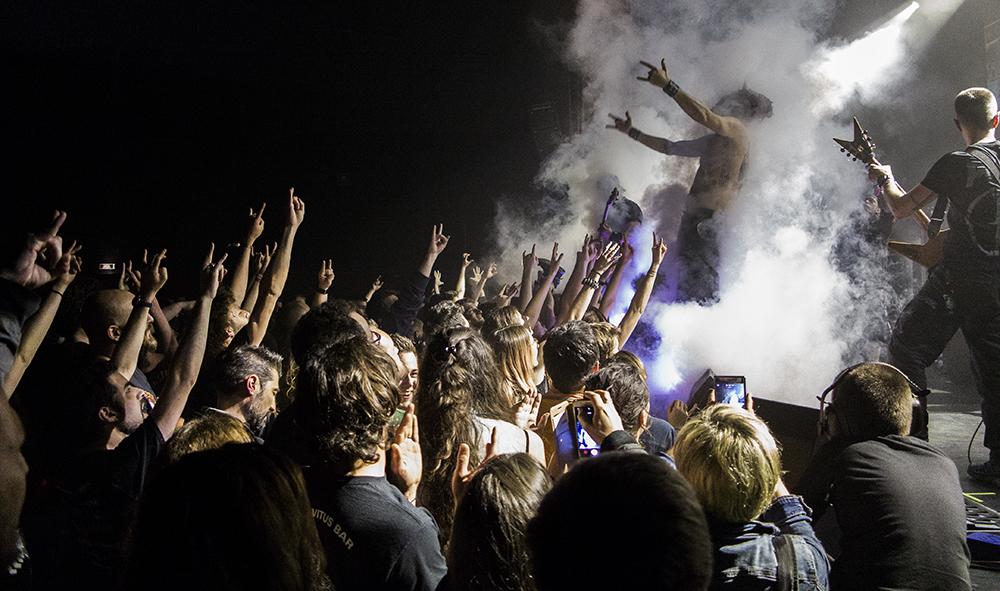 """Culture : Musique """"Le Pays Basque ! non d'une pipe en bois !!  c'est le Hellfest Warm Up et c'est ici que ça se passe ! """" (Nicolas Patra guitariste et chanteur du groupe de Parodic Métal) ULTRA VOMIT."""