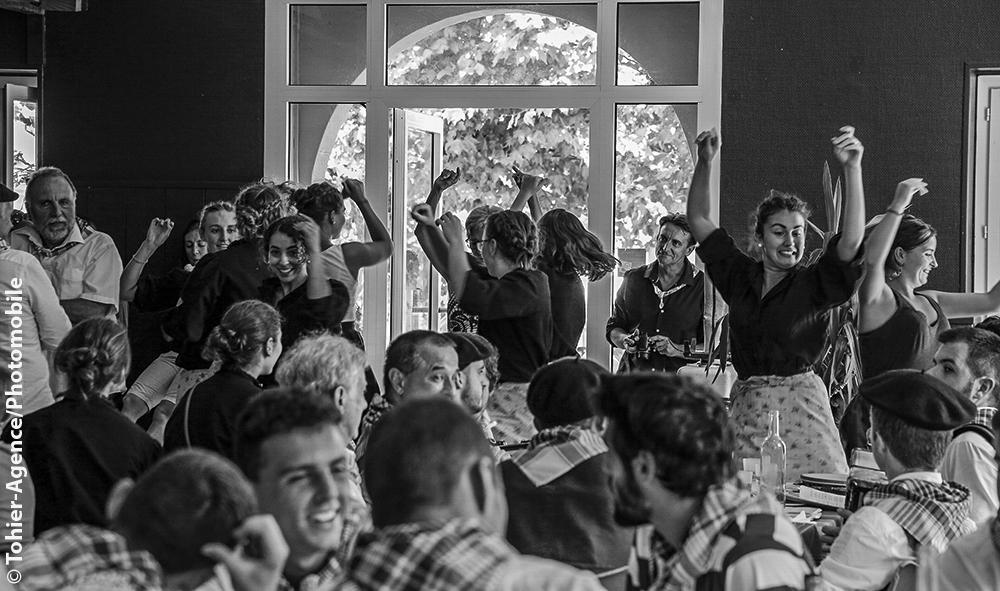 Culture Patrimoine: Hasparren le Lehengo Hazparne fête ses 20 ans ! bienvenue au Pays Basque et en 1900.