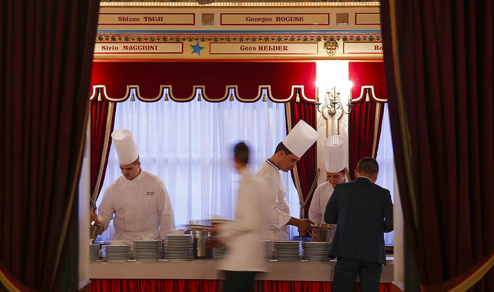 """Gastronomie : """"Monsieur Paul"""" est décédé ce samedi 20 janvier à l'âge de 91 ans, Paul Bocuse sera inhumé vendredi 26 janvier à Lyon."""