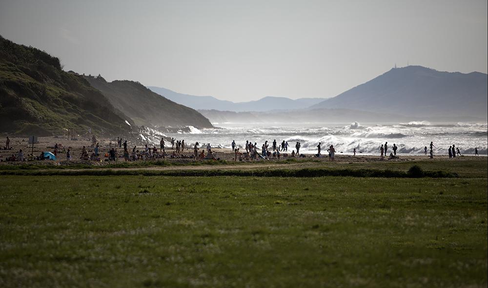 Le retour du soleil et de la chaleur sur la côte Basque. Nouvelles images /Argazki Berriak datu basean