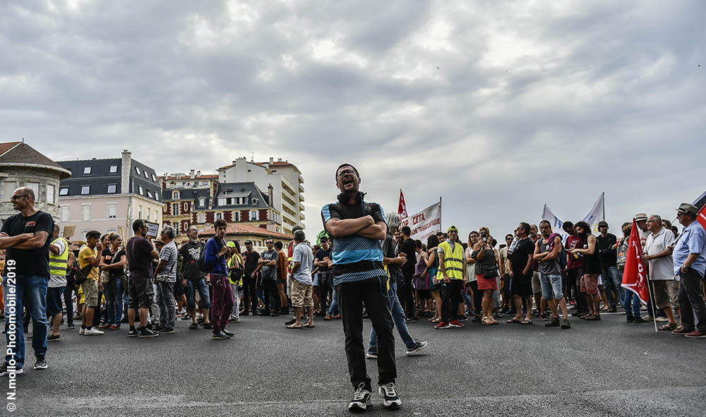 Politique : Biarritz Pays Basque un millier d' ANTI G7 et G7 EZ font entendre leur voix