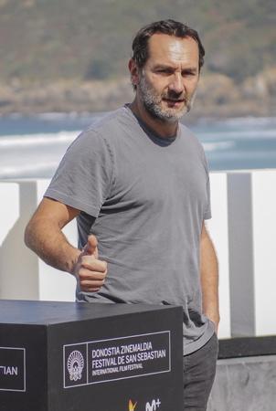 Film LE SENS DE LA FETE C EST LA VIE presentation au Festival de Cinema de San Sebastien l acteur Gilles Lellouche.