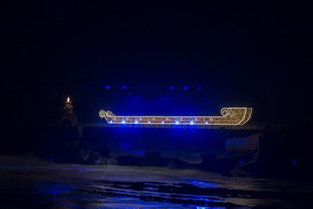 """Le bateaux lumineux ( The Bright Boat )  conception et réalisation """" CIE EN ATTENDANT"""" installation et animation lors du Biarritz en Lumières édition 2017 à Biarritz au Pays Basque organisé par Biarritz Evenement.  Région Nouvelle-Aquitaine. Pays Basque, Pyrenees-Atlantiques,  Aquitaine-Limousin-Poitou-Charentes, France, Europe."""