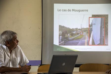 José Lavictoire representant du CADE Collectif des Associations de Défense de l'Environnement du Pays-Basque et du sud des Landes le 04 juillet 2018 lors de  la Conférence de presse des collectifs anti Linky du Pays basque à Bayonne.  Bayonne, Pays basque, Nouvelle Aquitaine, Pyrénées-Atlantiques, Europe, France.