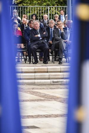 Gérard Larcher, président du Sénat en visite à Anglet au Pays basque le 9 septembre 2018, dans le cadre du 50e anniversaire (Jubilé) du jumelage à Ansbach, ville-arrondissement d'Allemagne, en Bavière. De GàD Gérard Larcher - Président du Sénat, Alain Lamassoure Député Européen ( Parti populaire européen ) et  Hervé Jonathan Sous-Préfet de Bayonne.  Anglet, Pays Basque, Nouvelle Aquitaine, Pyrénées Atlantiques, Sud Ouest, France, Europe.