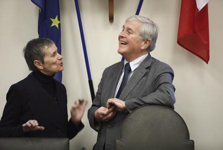 Anne Georget la nouvelle presidente du FIPA, Festival International de Programmes Audiovisuels et le maire de Biarritz Michel Veunac, ici a Biarritz le 11 janvier 2018 au Pays Basque.  Région Nouvelle-Aquitaine. Pays Basque, Pyrenees-Atlantiques, France, Europe.