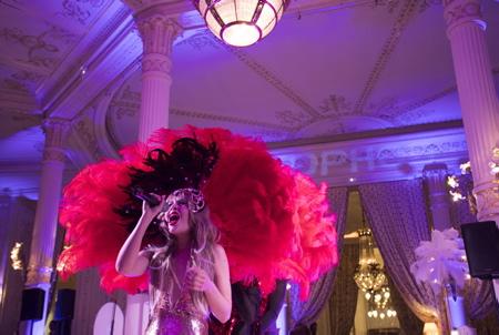 La troupe de cabaret, burlesque et moderne Anna Smile & CIE en gala à l'hôtel du Palais au Pays Basque.  Biarritz, Pays Basque, Region Nouvelle-Aquitaine, Pyrenees-Atlantiques France, Europe.