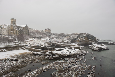 Le port des pêcheurs à Biarritz au Pays Basque sous la neige le 28 fevrier 2018.  Biarritz, Pays Basque, Region Nouvelle-Aquitaine, Pyrenees-Atlantiques France, Europe.
