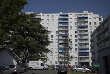 Immobilier à Bayonne dans le quartier Lauga au Pays Basque dans la province du labour.Immeubles recents de standing à partir de 1980.  Bayonne, Pays Basque, Nouvelle Aquitaine, Pyrénées Atlantiques, Sud Ouest, France, Europe.