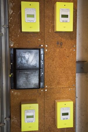 Nouveaux Compteurs dit communiquant LINKY istalle ici à Anglet dans une résidence au Pays Basque province du labourd par l entreprise solution 30 sous traitant poseur pour ENEDIS, installation sans autorisation du proprietaire.  Anglet, Pays Basque, Nouvelle Aquitaine, Pyrénées-Atlantiques, Europe, France.