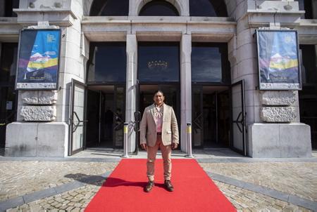 Regis Myrupu l'acteur principal du film LA FIEVRE (A FEBRE) de Maya Da-Rin-Brésil, France, Allemagne lors du Festival Biarritz Amerique Latine 2019 à Biarritz au Pays Basque 28° Edition. LA FIEVRE remporte l'Abrazo du meilleur film, doté d'une aide à la distribution de 7000 euros.  Regis Myrupu the main actor of the movie LA FIEVRE (A FEBRE) by Maya Da-Rin-Brazil, France, Germany during the Biarritz Festival Latin America 2019 in Biarritz in the Basque Country 28 ° Edition. FIEVRE won the Abrazo for the best film, with a distribution aid of 7000 euros.  Regis Myrupu, el actor principal de la película LA FIEVRE (A FEBRE) de Maya Da-Rin-Brasil, Francia, Alemania durante el Festival Biarritz América Latina 2019 en Biarritz en el País Vasco 28 ° Edición. FIEVRE ganó el Abrazo a la mejor película, con una ayuda de distribución de 7000 euros.  Biarritz, Miarritze, Pays Basque, Euskal Herri, Basque Country, Nouvelle Aquitaine, New Aquitaine, Pyrénées Atlantiques, Sud Ouest, France, Europe.