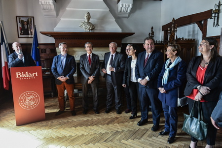 "Intervention du maire de la ville de Bidart Emmanuel Alzuri lors de l'inauguration de la classification ""station tourisme"" ( Office de tourisme classé pour une validité de 5 ans ) de la ville de Bidart au Pays Basque en présence des élus locaux et de Jean-Baptiste Lemoyne Secrétaire d'état auprès du Ministre de l'Europe et des Affaires Étrangères.