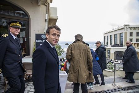 Emmanuel Macron en visite de repérage à Biarritz au Pays Basque dans le cadre du futur G7 de cet été 2019.  Emmanuel Macron visiting Biarritz in the Basque Country as part of the future G7 this summer 2019.  Biarritz, Pays basque, 64 , Nouvelle Aquitaine, Pyrénées Atlantiques, Sud Ouest, France, Europe.