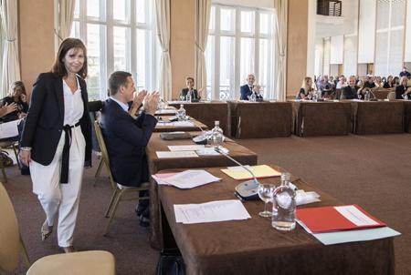 Maider Arosteguy le 3 juillet 2020, elle est la première Femme Maire Femme de l'histoire de la prestigieuse cité balnéaire de la côte basque, elle succède à Michel Veunac (MoDem), arrivée en tête des suffrages au premier tour avec 31,50 % des voix et enfin au second tour des élections municipales avec 50,22 % des voix.  Maider Arosteguy on July 3, 2020, she is the first Woman Mayor Woman in the history of the prestigious seaside resort of the Basque Coast, she succeeds Michel Veunac (MoDem), arrived at the head of the suffr tour of 31.50% of votes and final of the second tour of municipalities with 50.22% of votes.  Biarritz, Pays basque, 64 , Nouvelle Aquitaine, Pyrénées Atlantiques, Sud Ouest, France, Europe. New Aquitaine, Basque Country.